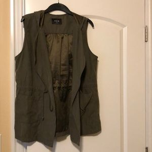 Sleeveless spring jacket